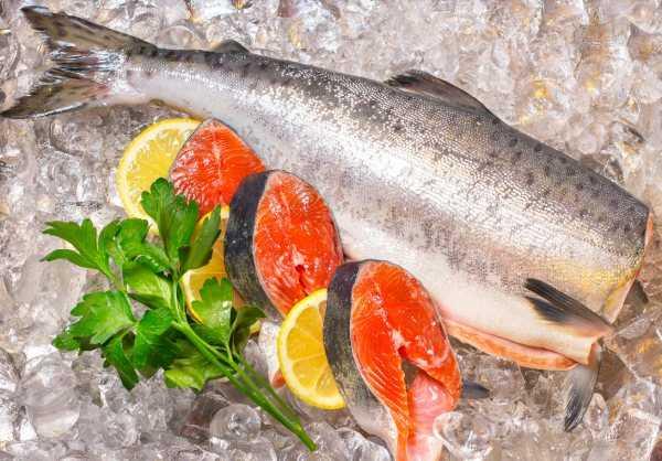 Как хранить копченую рыбу: сколько хранится в холодильнике, можно ли замораживать, какой срок хранения рыбы горячего копчения   domovoda.club