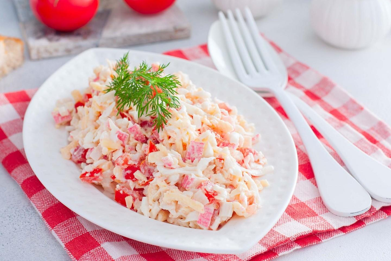 Салат крабовые палочки рис яйца