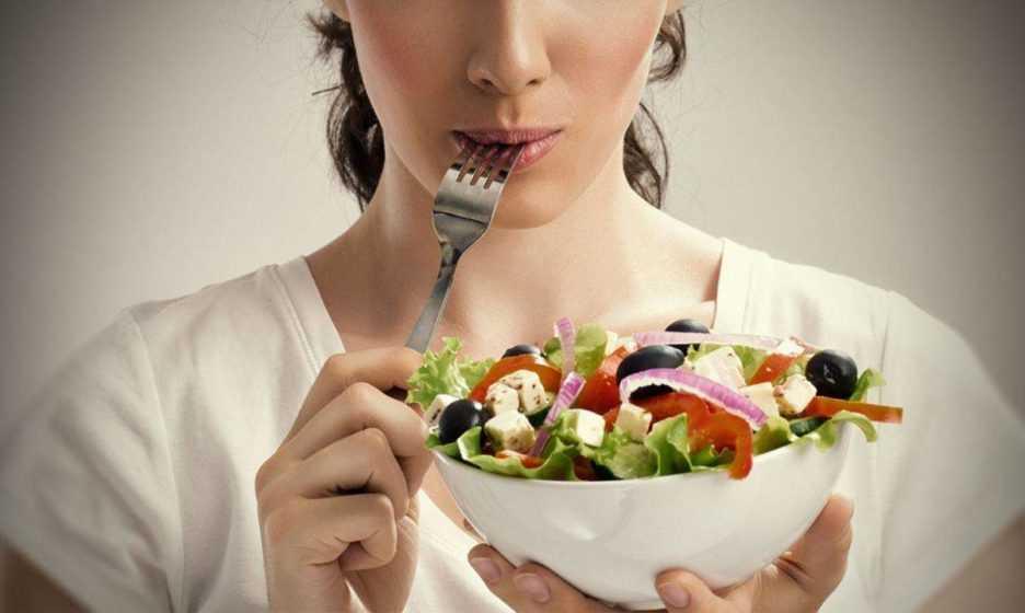 Классические и праздничные рецепты салатов из печени минтая