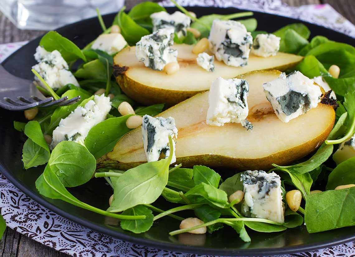 Салат с грушами: пошаговые рецепты с фото, с креветками, орехами, грудкой, сыром
