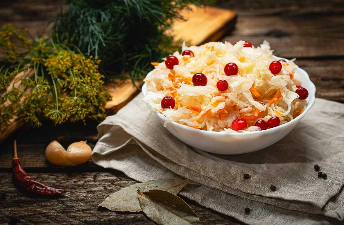 Квашеная капуста с клюквой – 9 рецептов вкусной, хрустящей квашенной капусты домашнего приготовления