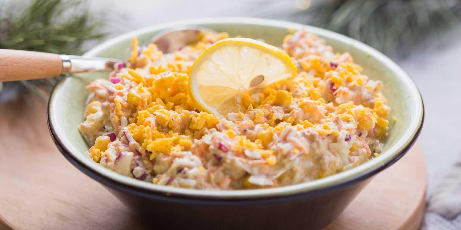 Салат из сайры консервированной - вкусно и недорого: рецепт с фото и видео