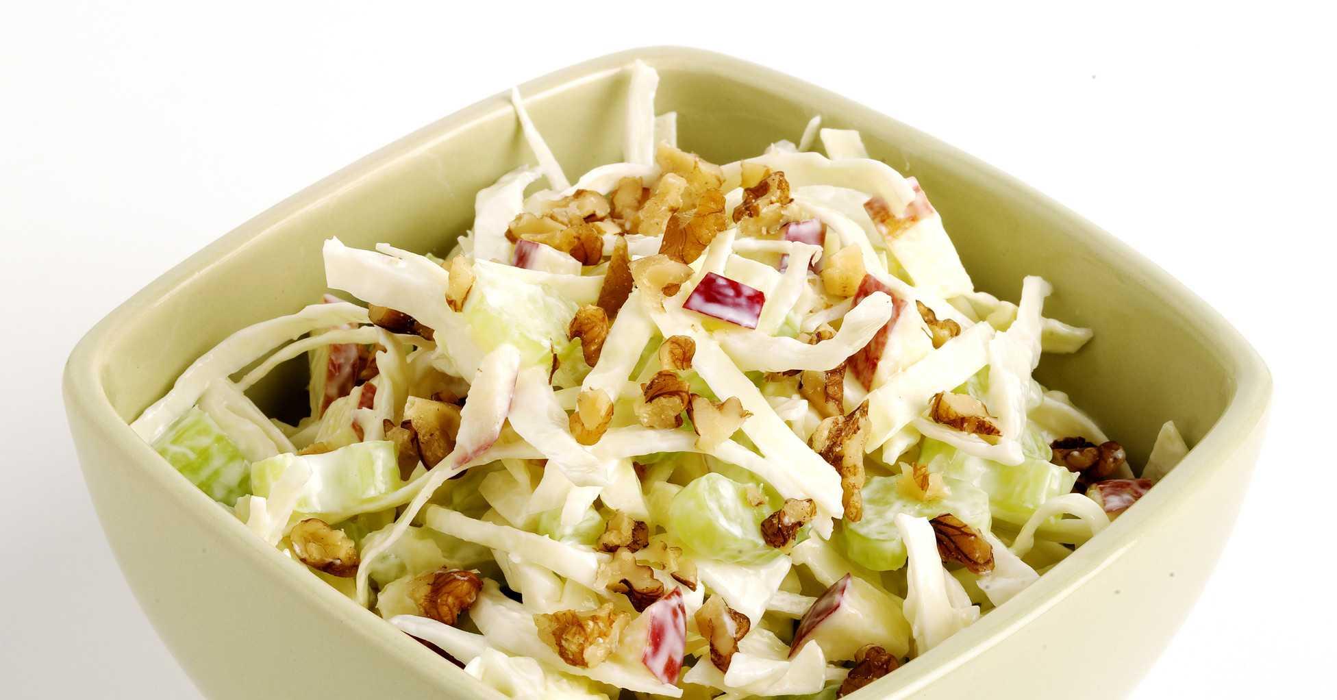Вкусный и сытный салат со свеклой и грецкими орехами
