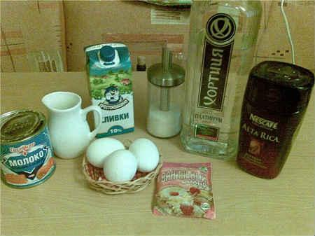 Наливка из шелковицы (тутовника): 3 рецепта в домашних условиях