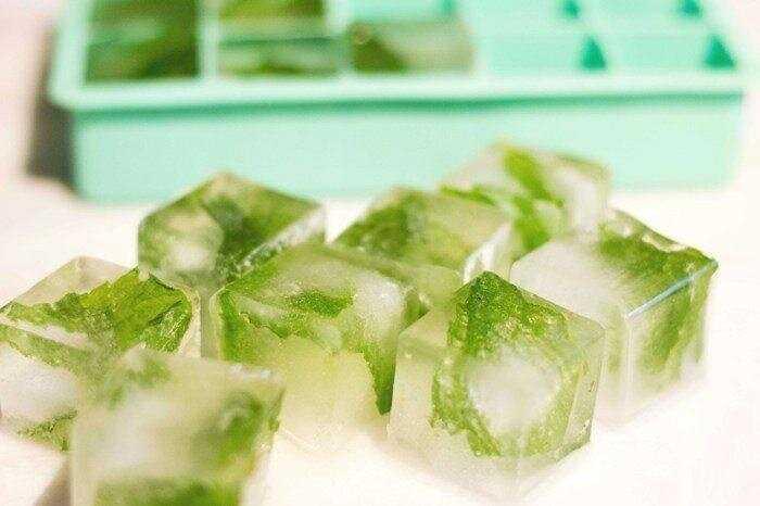 Петрушка для лица: лед для кожи вокруг глаз, ледяной кубик из сока