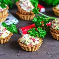 Рафаэлло из крабовых палочек - рецепты с фото. как приготовить шарики из крабовых палочек и сыра