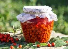 Варенье из красной рябины на зиму: 3 простых рецепта / заготовочки