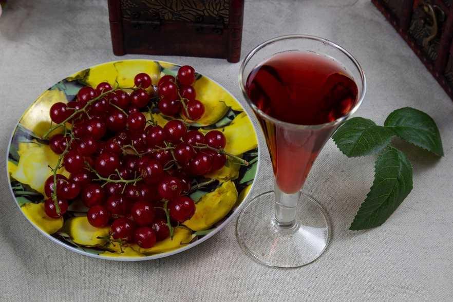 Ликер из красной смородины в домашних условиях рецепт