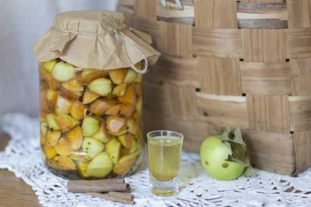 Настойка из груши: рецепты на спирту, на водке, на самогоне