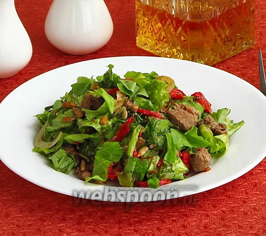 Салат «ежик» с курицей: 7 необычных вариантов приготовления и оформления блюда