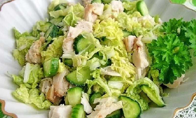 Как приготовить салат с копчёной курицей и пекинской капустой