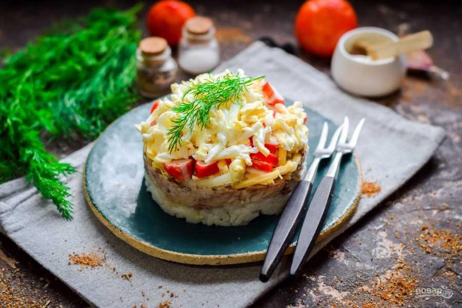 Салат из рыбных консервов – 8 рецептов