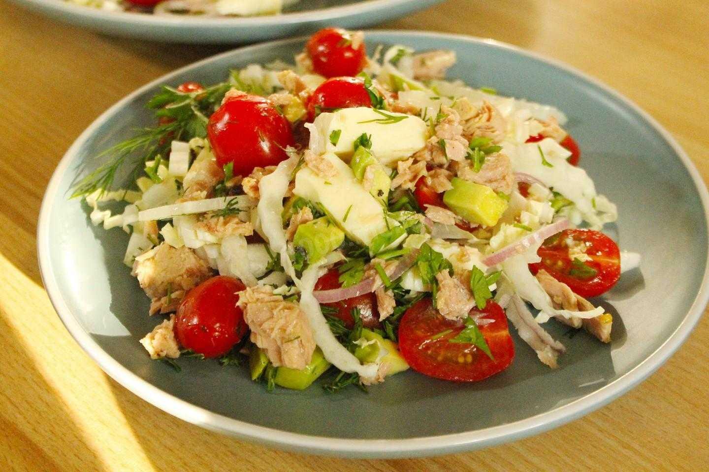 Салат с консервированным тунцом. самые вкусные варианты  — 7 пошаговых рецептов