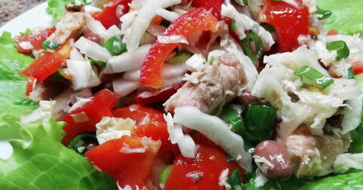 Салат с тунцом консервированным и пекинской капустой