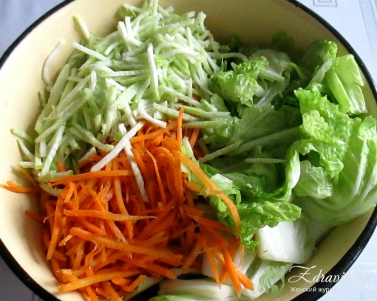 Салат с пекинской капустой и ветчиной - идеи легких и сытных перекусов на каждый день: рецепт с фото и видео
