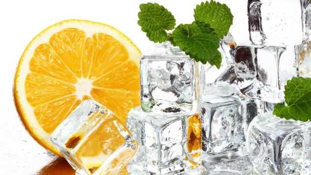 Петрушка для лица: польза отвара и кубиков льда от морщин и пигментных пятен