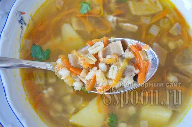 Суп из перловки с сушеными грибами
