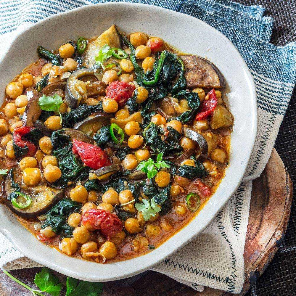 Салат с нутом и баклажаном - 7 пошаговых фото в рецепте