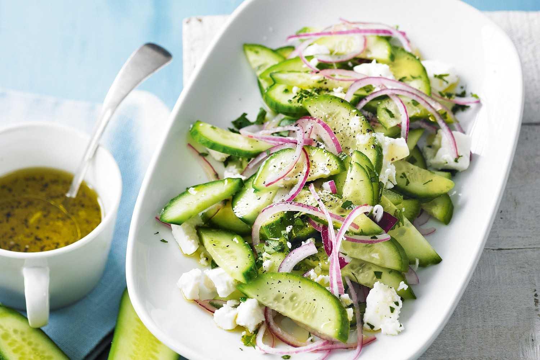 Салаты с зеленым горошком - 20 рецептов просто, вкусно и недорого