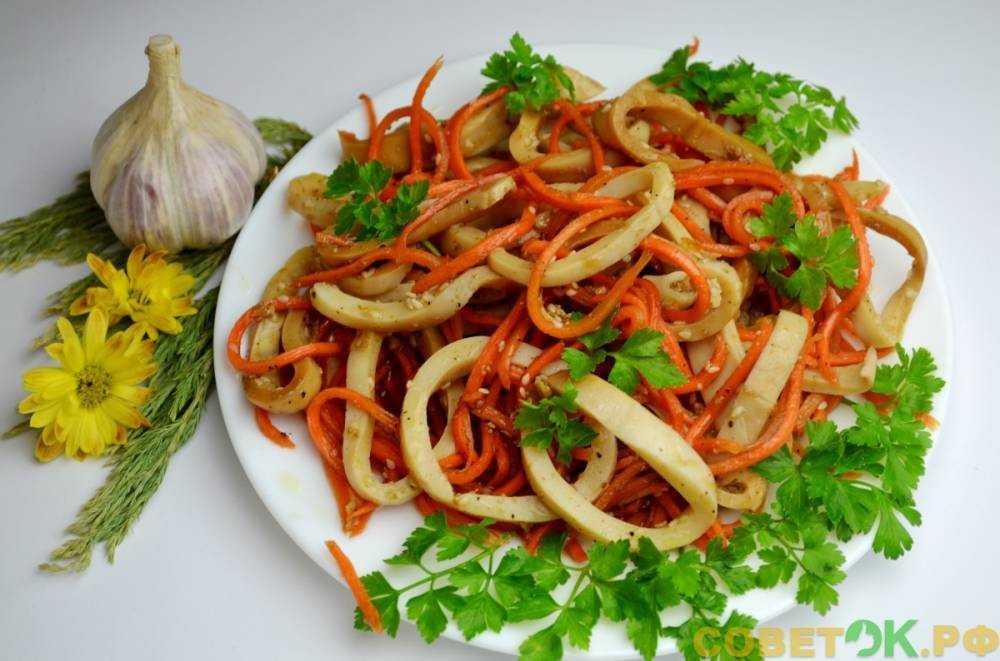 Простые и вкусные салаты с чипсами — 6 классических рецептов