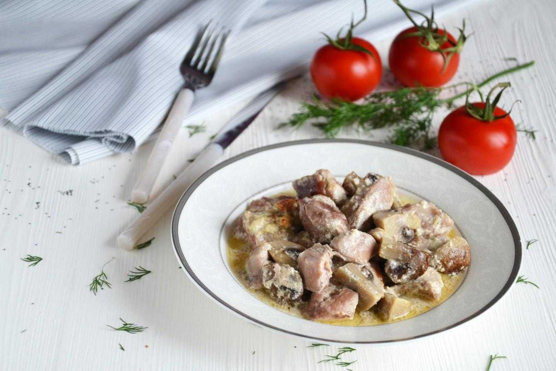 Как приготовить салат с индейкой и грибами: пошаговые фото, похожие подборки блюд, поиск по ингредиентам, изменение порций, комментарии поваров и хозяек, подсчет калорий