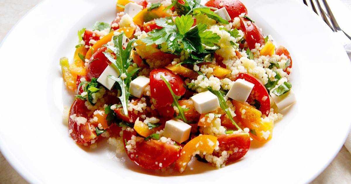 Салат с куриной грудкой: 15 простых рецептов на любой вкус