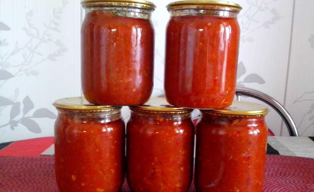 Аджика из кабачков на зиму с томатной пастой, болгарским или острым перцем: рецепты пальчики оближешь. бонус-рецепт кабачковой аджики с яблоками