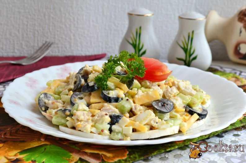 Салат с маслинами и курицей - 397 рецептов: салаты | foodini