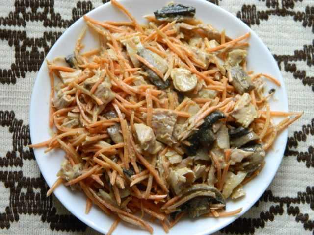 Салат с жареными вешенками - 6 пошаговых фото в рецепте