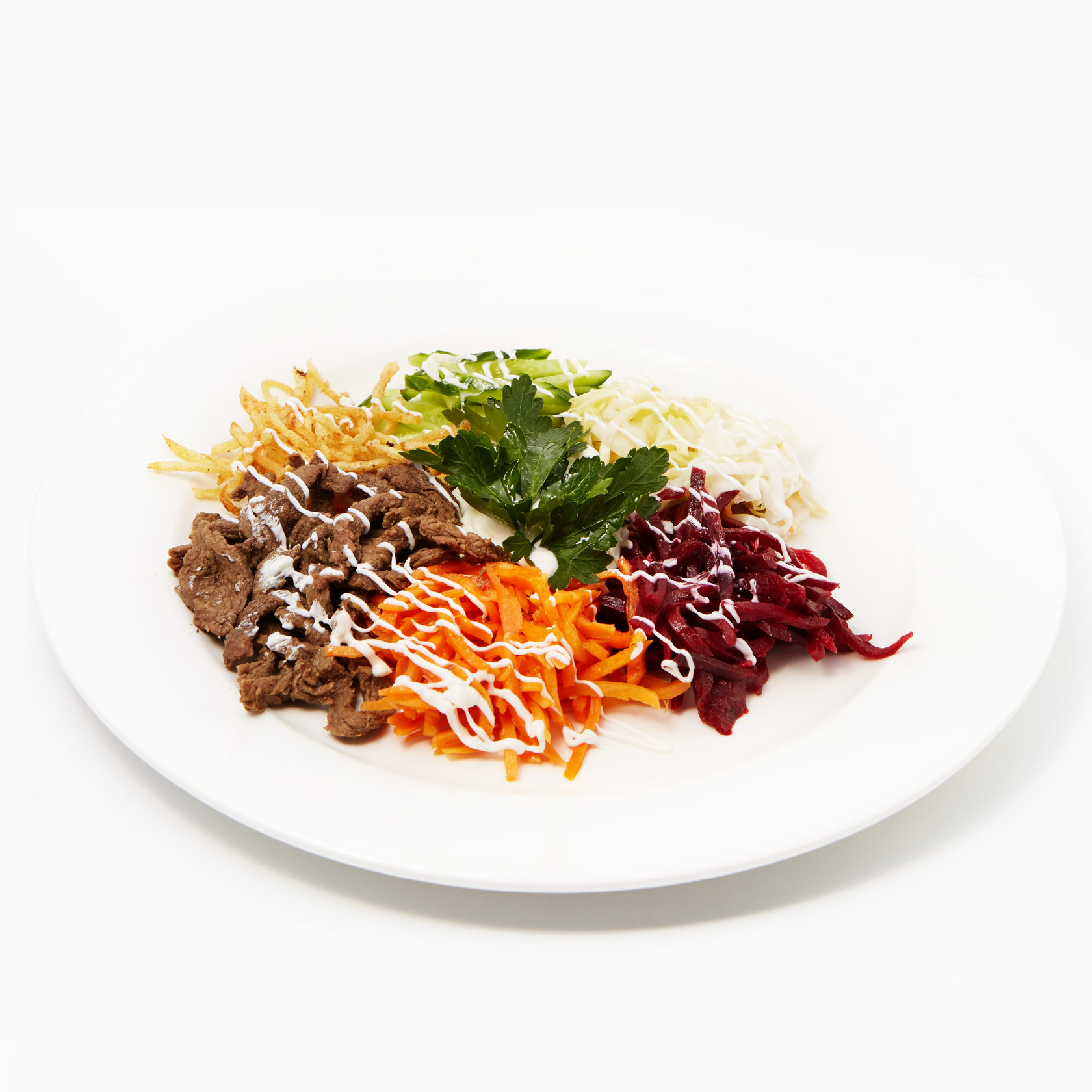 Легкие мясные салаты с отварной говядиной: оригинальные рецепты