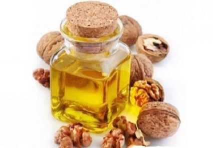 Настойка на скорлупе грецких орехов и кожуре: на самогоне, на водке, польза и вред