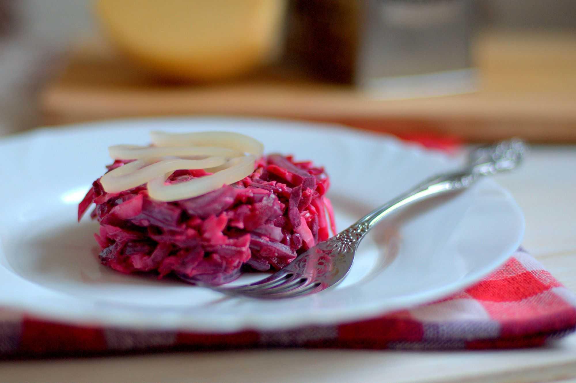 Салат из свеклы и моркови - 102 рецепта приготовления пошагово - 1000.menu