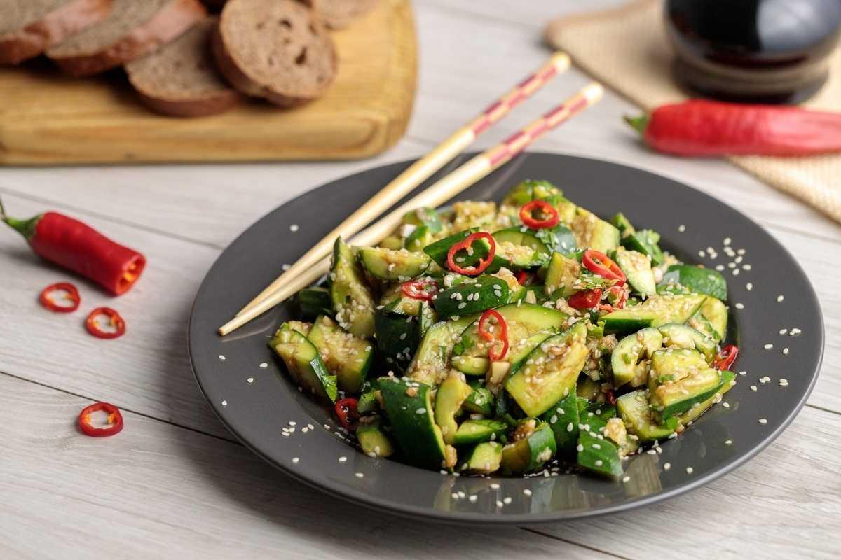 Битые огурцы по-китайски - пошаговый рецепт приготовления с фото