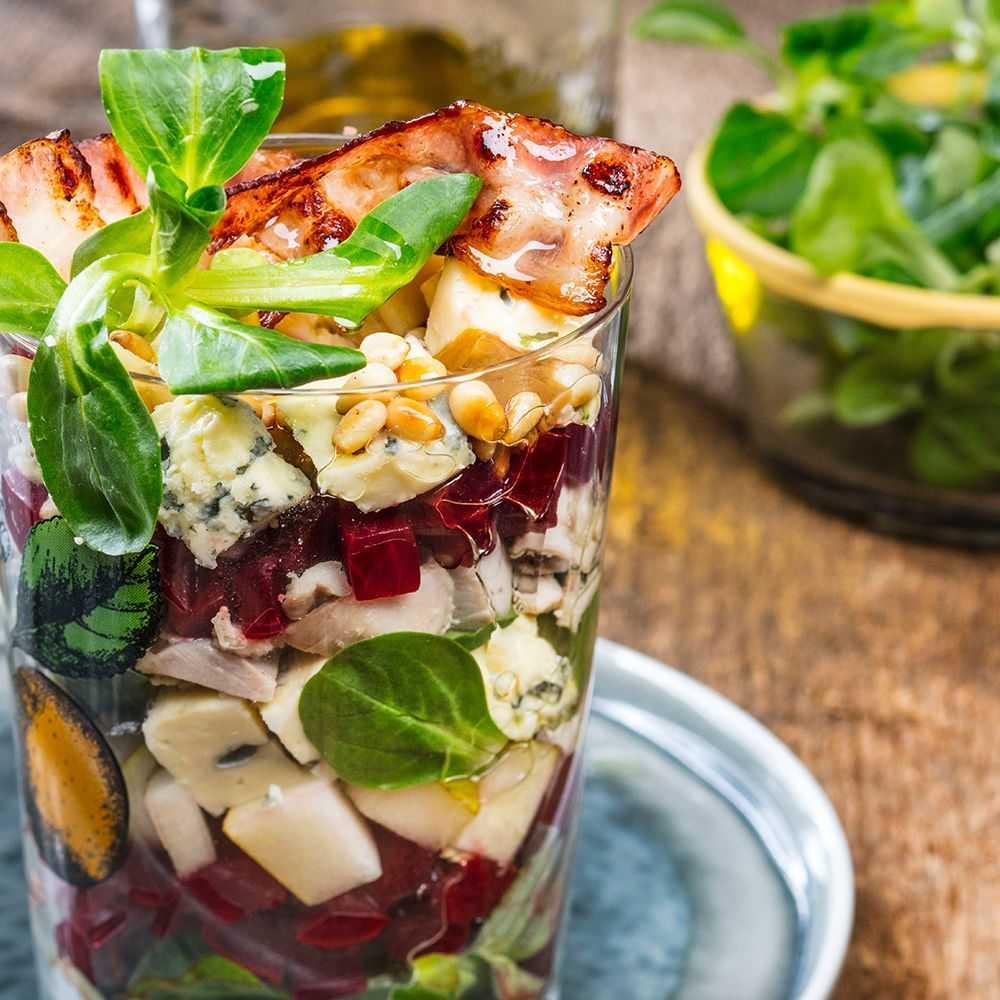 Салат из фруктов - летнее меню: рецепт с фото и видео