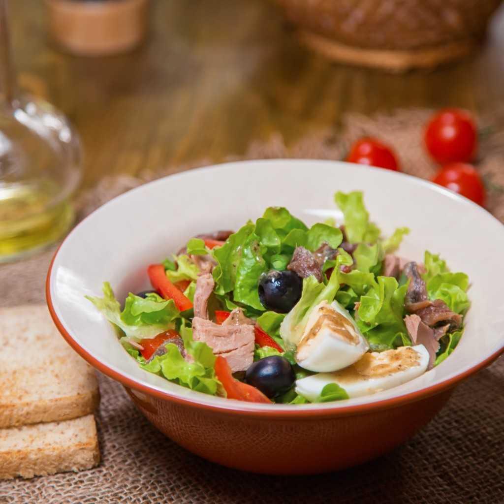 Салаты с тунцом на новый год 2020 — 15 простых и вкусных рецептов