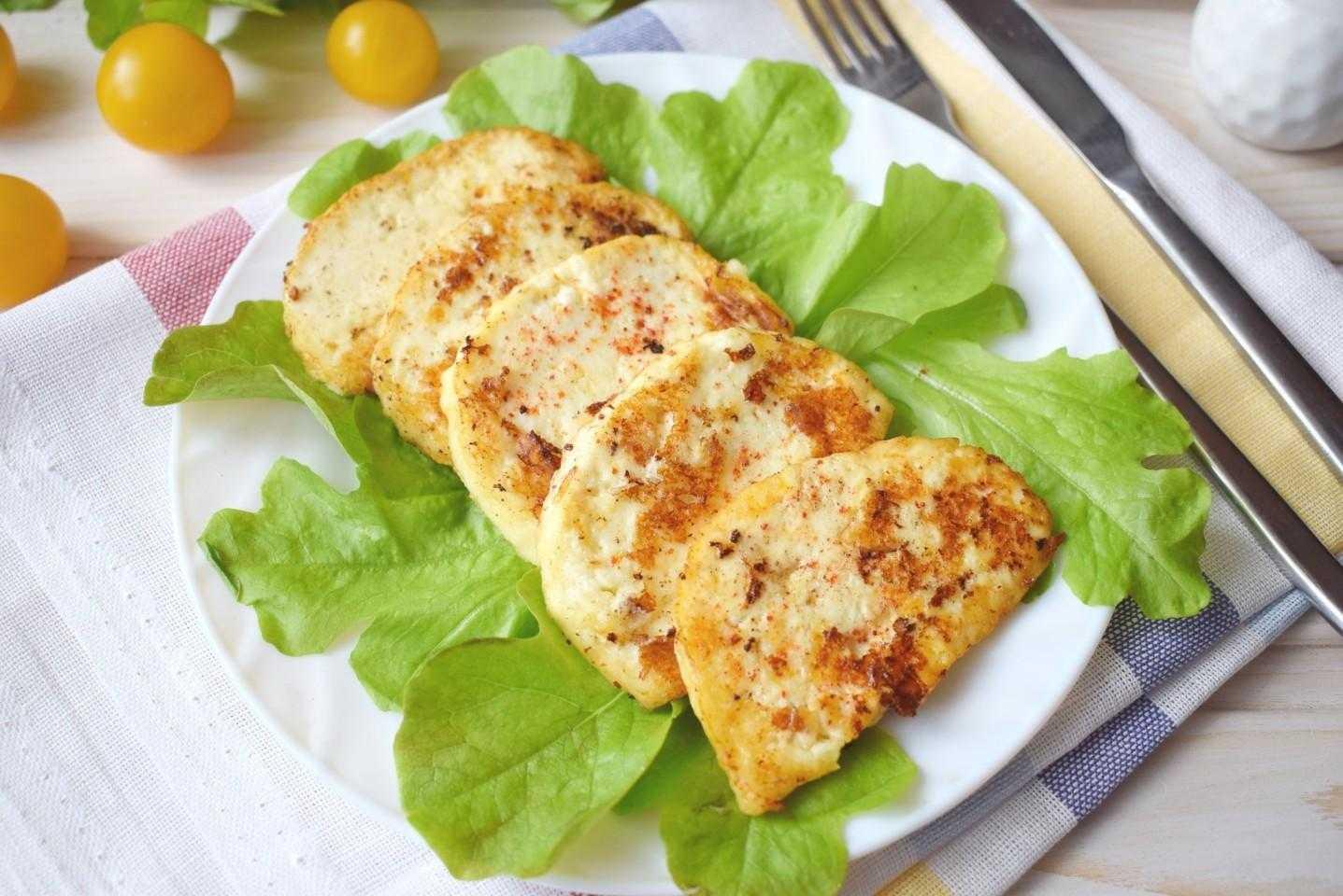 Пирог слоеный с адыгейским сыром и помидорами