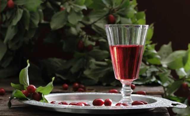 Готовим прекрасное вино из клюквы