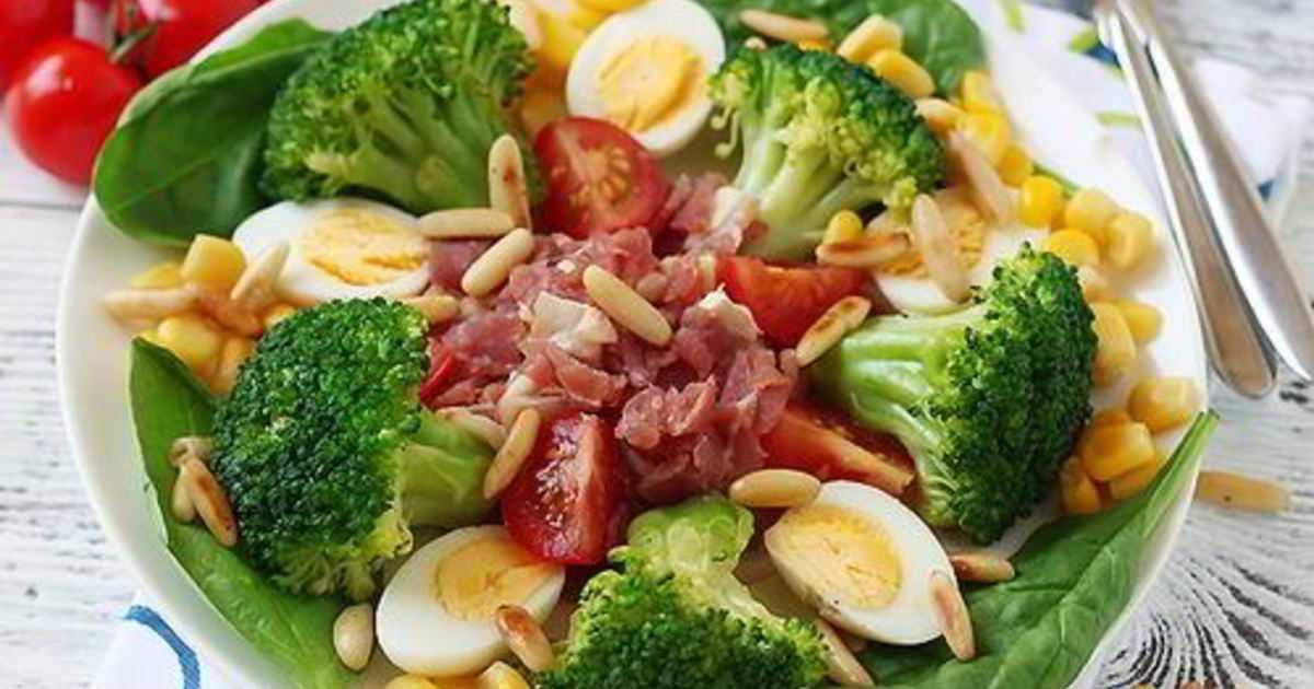 Салат из капусты брокколи: 14 домашних вкусных рецептов