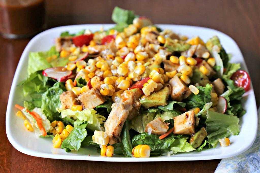 Салат с копченой курицей и помидорами | рецепты приготовления