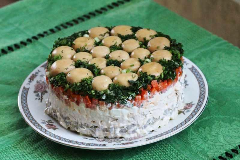 Салат грибы лук сыр рецепт с фото пошагово - 1000.menu