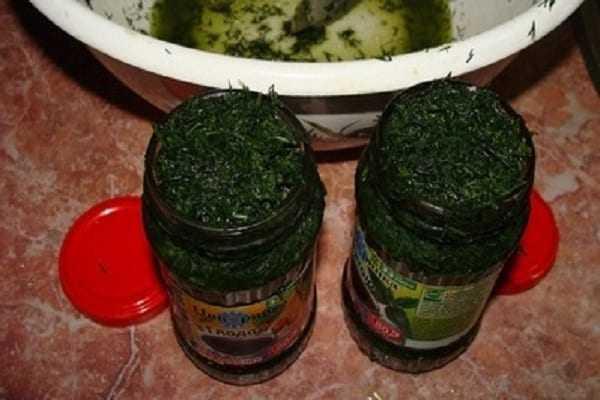 Зелень с солью на зиму