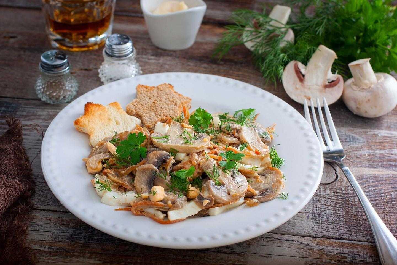 Салат с жареными грибами – более 7 рецептов с фото