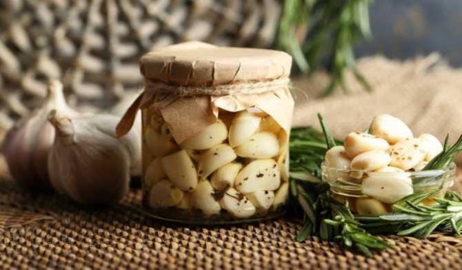 Заготовка чеснока в масле на зиму - 8 пошаговых фото в рецепте