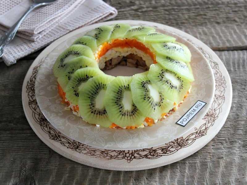 Салат с киви малахитовый браслет - настоящее богатство вкуса: рецепт с фото и видео