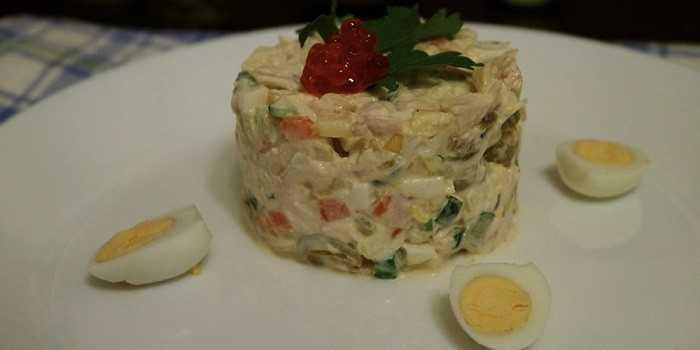 Салат «прага» с курицей и черносливом. пошаговый рецепт с фото