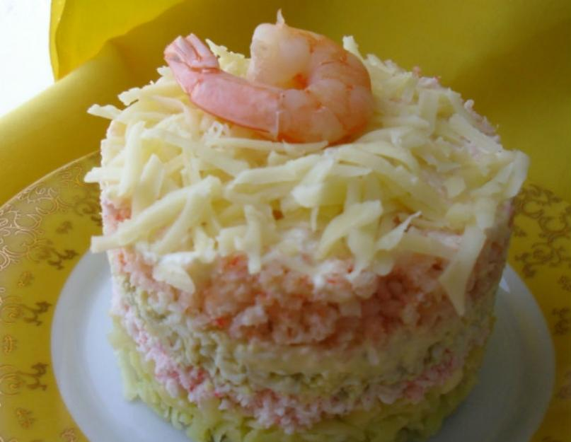 Рецепты салатов с морепродуктами — кальмарами, креветками и крабовыми палочками