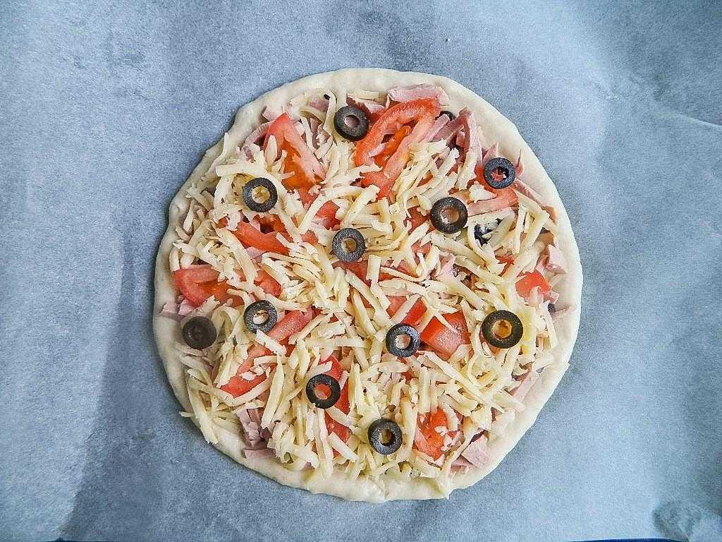 Рецепт пицца с опятами. калорийность, химический состав и пищевая ценность.