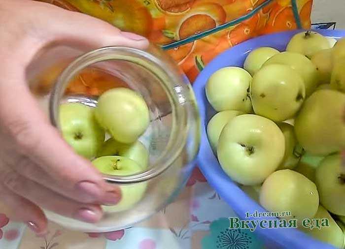 Квашеные яблоки с капустой: рецепт приготовления на зиму в домашних условиях в бочке и в банке, польза и вред этой закуски русский фермер