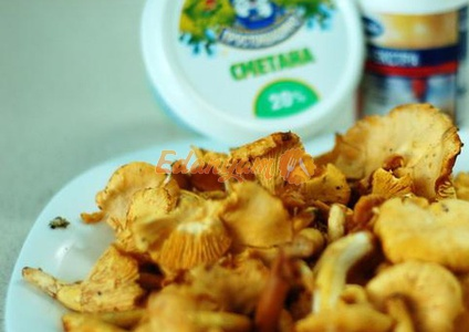 Курица с грибами в сливочном соусе - 56 рецептов приготовления пошагово - 1000.menu