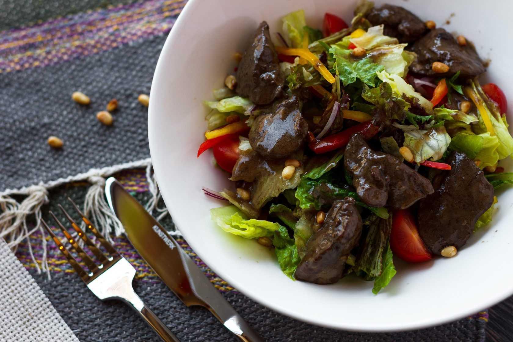 Салат «любимый». одинаковое название у двух совершенно разных салатов